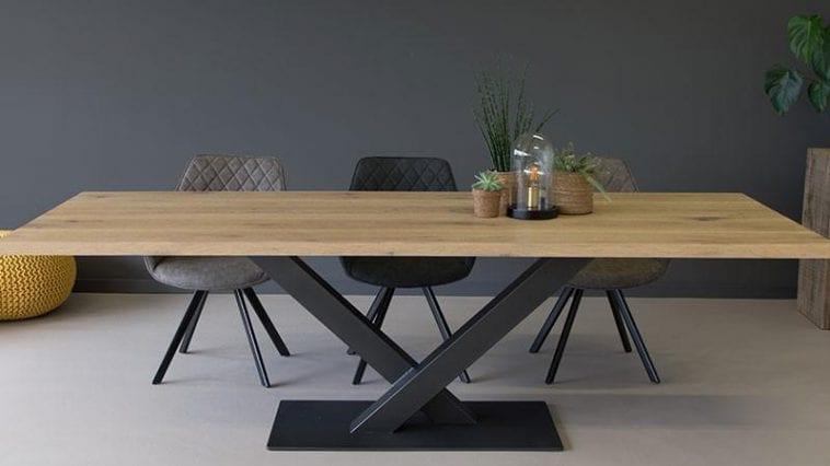 Robuuste eiken tafel voor kantoor